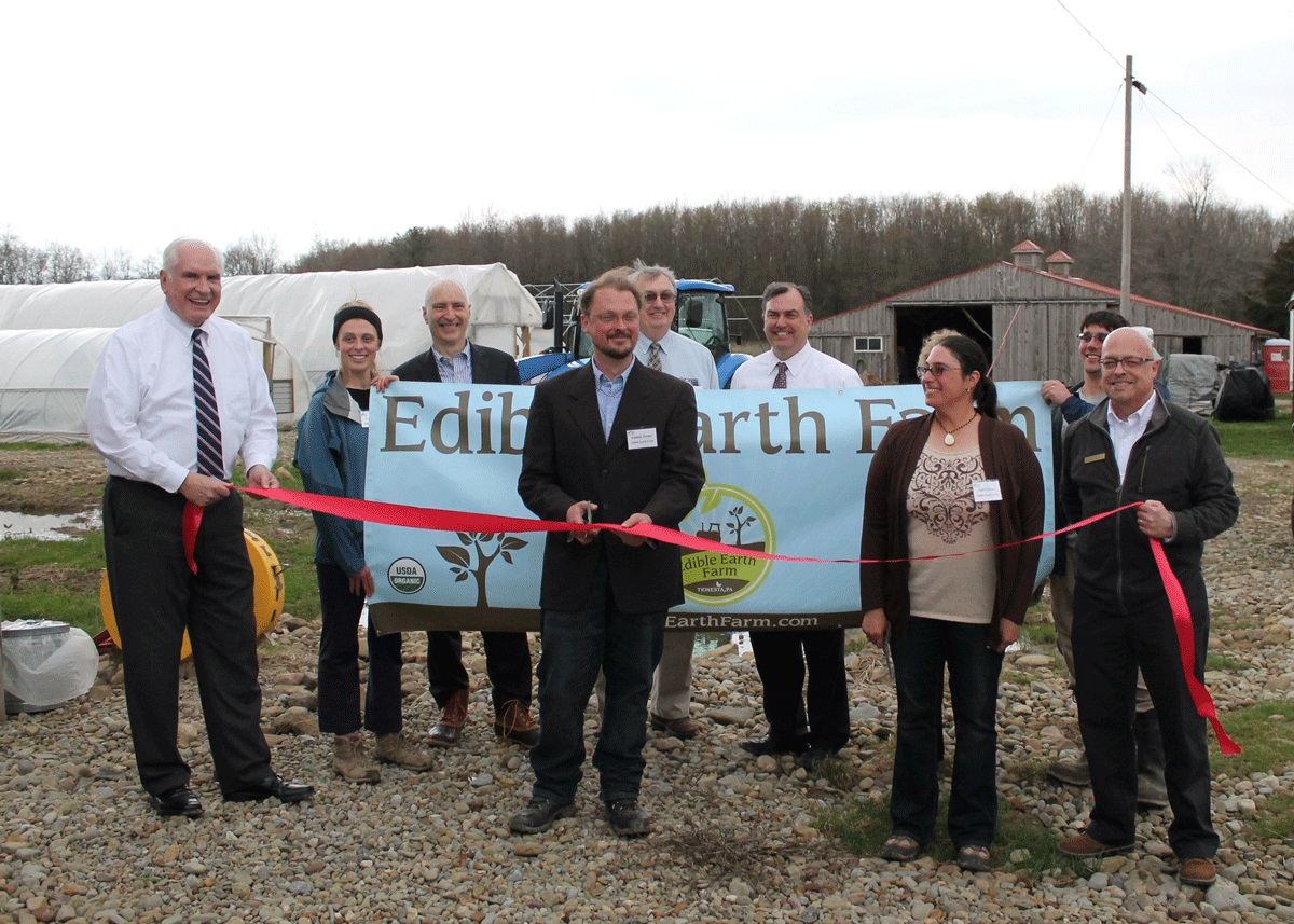 Edible Earth Ribbon Cutting Event